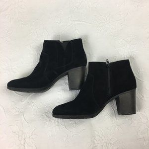 Clarks Black Suede Ankle Boots NEW Size 9W